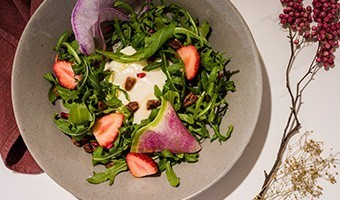 Brata cheese and fresh fruit salad